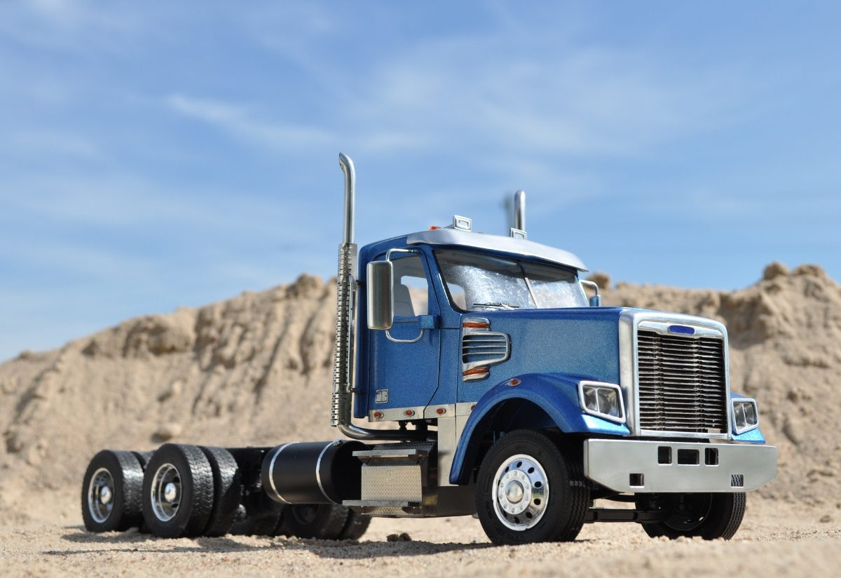 Modern American Conventional truck (day cab, set forward axle)