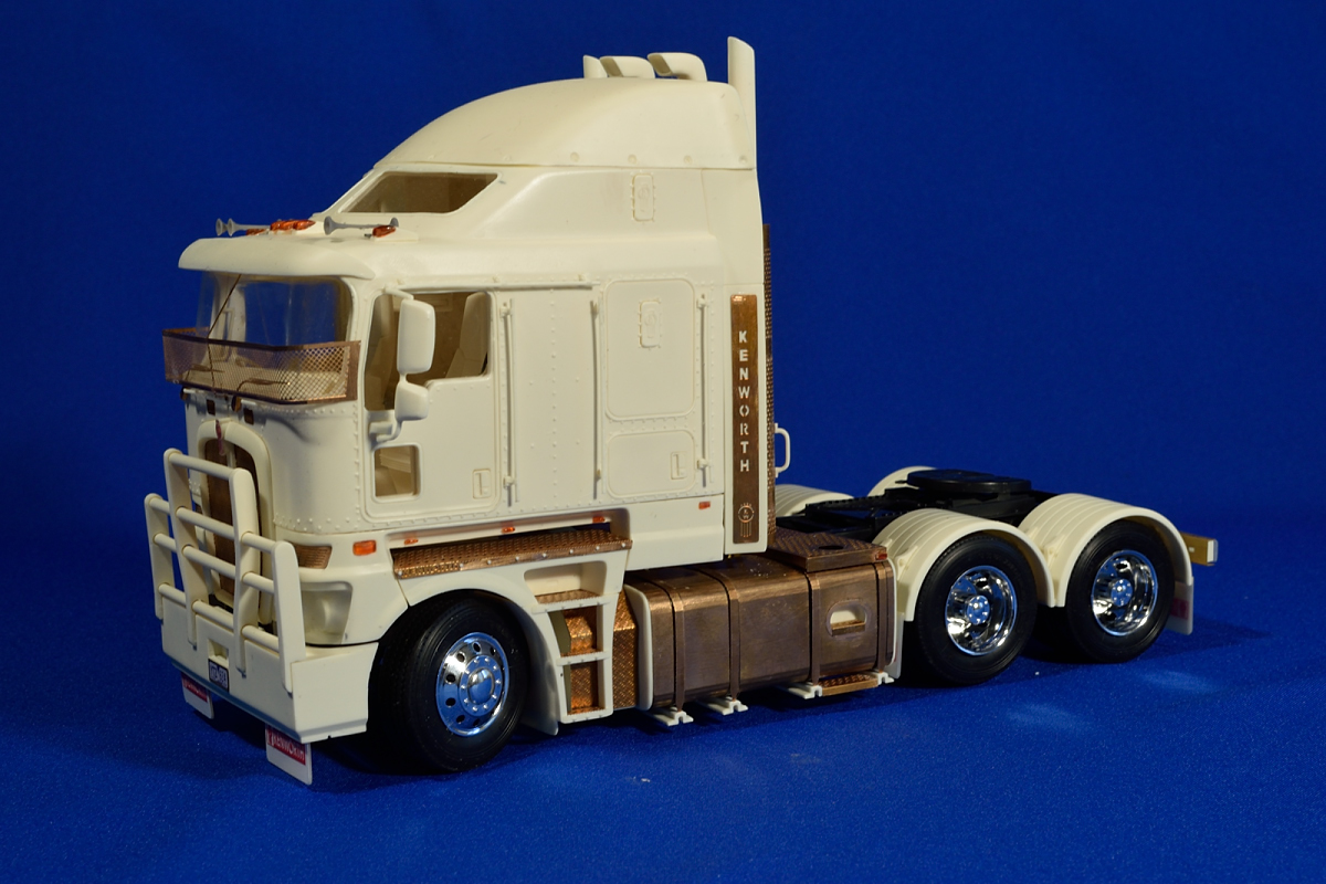Aussie K200 Truck  Resin Kit  1  24  U2013 A U0026n Model Trucks
