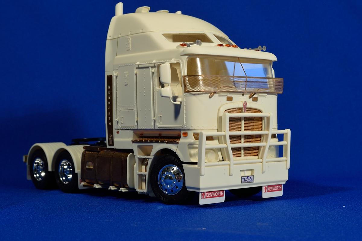 Aussie K200 truck  Resin kit, 1/24
